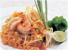 Thai Fried Noodles with Shrimps (Pad Thai Kung Sod)